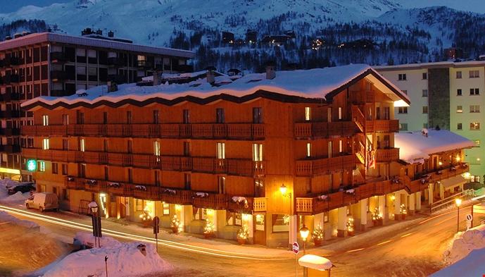 Hotel excelsior planet sts alpresor for Hotel meuble joli cervinia